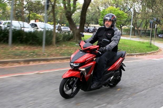 Opção para o trânsito urbano, Yamaha informa que consumo é superior aos 40 km/l