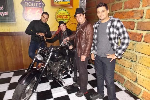Banda Faixa etária se apresentará nos três encontros de moto. Saiba mais