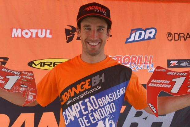 Sorriso da vitória: Ian é bicampeão no Brasileiro de Enduro FIM