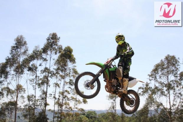Curso possibilita o ingresso de pilotos de nível básico no Freestyle Motocross