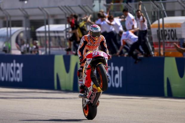 Ao contrário do ano passado, Márquez não cometeu erros, manteve a calma e levou o terceiro título na categoria maior