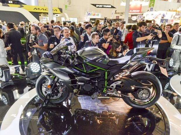 Badalada, Kawasaki H2 ganhou edição especial: Carbon