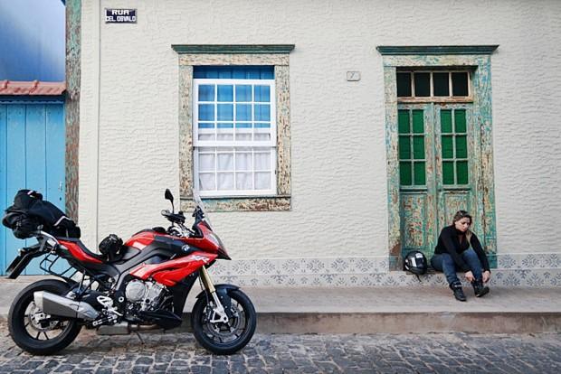 Para encarar o trajeto, Eliana teve a (boa) companhia da BMW S 1000 XR