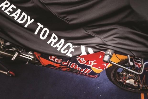 Praticamente desvestida de mistérios, KTM apresentou e colocou para correr o protótipo RC16, com o qual a moto competirá na MotoGP em 2017