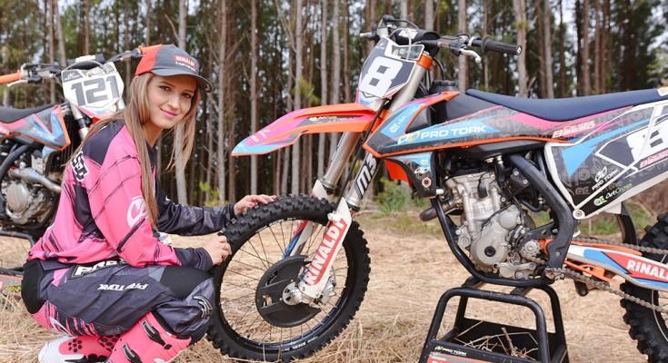 maiara basso motocross