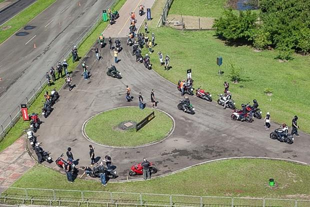 Evento aconteceu no campo de provas da Pireli, em Sumaré (SP). Mesmo local receberá a próxima edição da ação, dedicada a outras categorias de motos