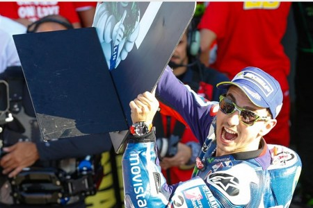 Um, dois, três e até beirar os seis segundos de vantagem. Jorge Lorenzo venceu absoluto em Valencia, na última prova da temporada de MotoGP