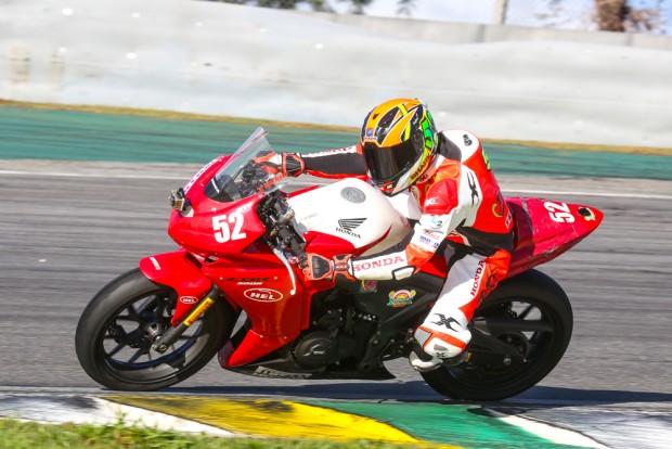 Copa Honda CBR 500R Light e Teen | Campeão: Rafael Rigueiro (#52)