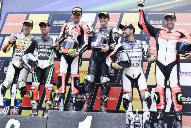 Alex Barros venceu a segunda corrida na categoria principal do SBK Brasil
