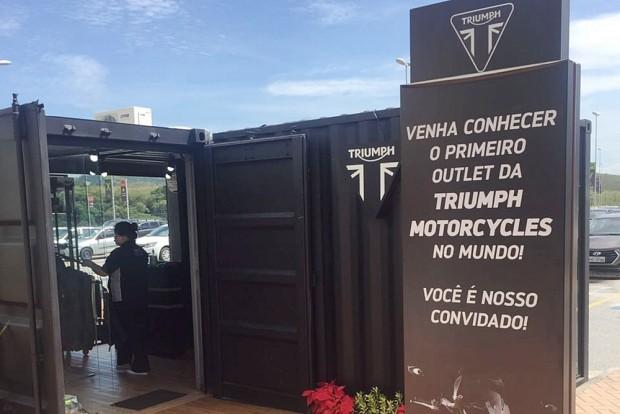 Outlet Triumph irá disponibilizar centenas de produtos da marca, como camisetas, jaquetas, moletons, canecas, bonés, com até 60% de desconto