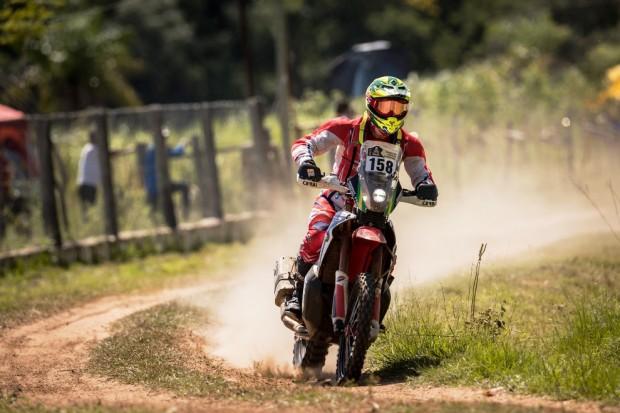 O estreante Caselani sofreu com o calor, mas concluiu bem a etapa (Foto: Marcelo Machado Melo/ Fotop / Vipcomm)