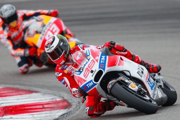 Grandes nomes da MotoGP, como Lorenzo, Márquez e Pedrosa obtiveram desempenhos tímidos na Malásia