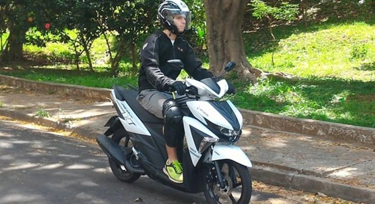 verão andar de moto