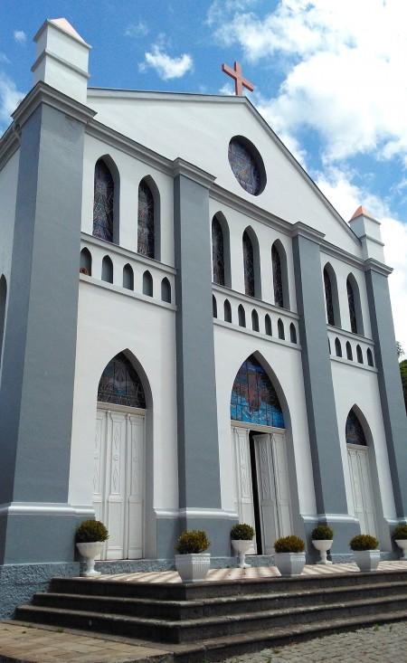 Vespasiano Corrêa é uma cidadezinha com menos de 2 mil habitantes, e como todo pequeno município que se preze, tem uma bela igreja