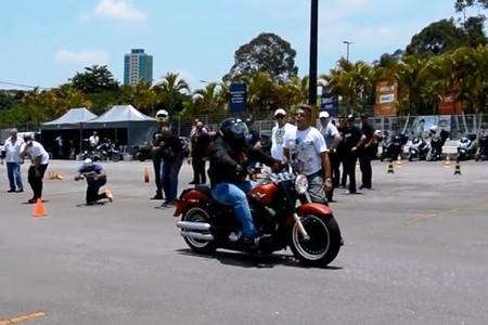 Não importa o tamanho da moto, frear corretamente é decisivo para sua segurança