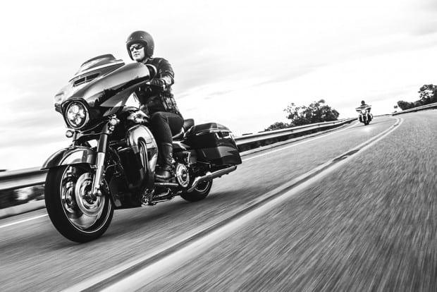 Vai pegar a estrada de moto neste carnaval? Antes, confira estas 10 dicas!