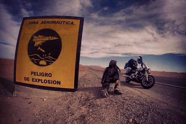 Uma Yamaha Midnight Star 950 fora a companheira desta inesquecível viagem de moto que percorreu 19 países
