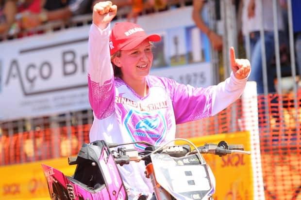 Vitoriosa no off road, Maiara Basso somou mais troféus para sua carreira
