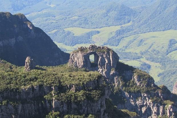 Morro da Igreja (Pedra Furada), um cartão postal de Urubici