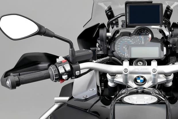 A nova BMW está confirmada para chegar ao mercado no segundo semestre de 2017, ainda sem preço definido