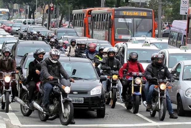 Texto em tramitação afirma que a grandeza dos acidentes envolvendo motos no dia a dia 'justifica sua conceituação como epidemia, considerando o impacto na demanda das emergências hospitalares'
