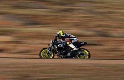 Brasileiro entra para a história da competição e do motociclismo brasileiro