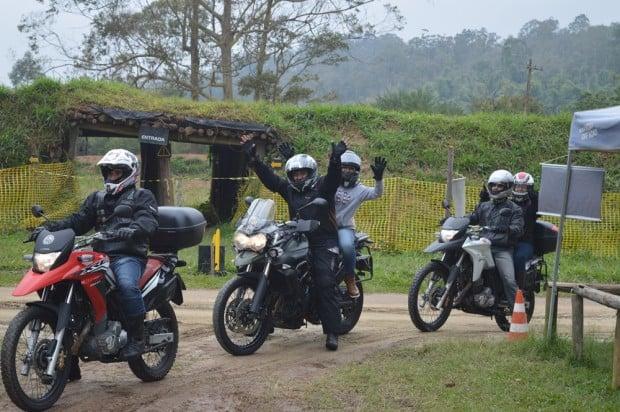 Chegada à Fazenda ASW, em Mogi das Cruzes, para o curso off-road: excitação e alegria… além do frio