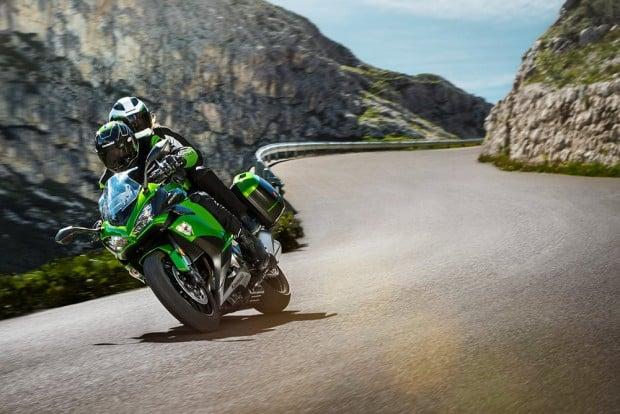 Ninja 1000 ABS 2018 virá, também, em versão Tourer. Motor de quatro cilindros gera mais de 140 cv