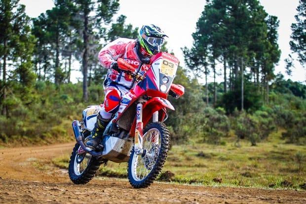 Tunico Maciel conquistou o título nas motos no Rally Rota SC 2017. Piloto está se preparando para o Sertões
