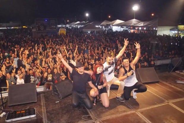 Banda Faixa Etária fez grande show no litoral carioca em 2016 (foto) e quer repetir a dose. Programação do 6º Búzios Biker Fest conta com 14 bandas de rock