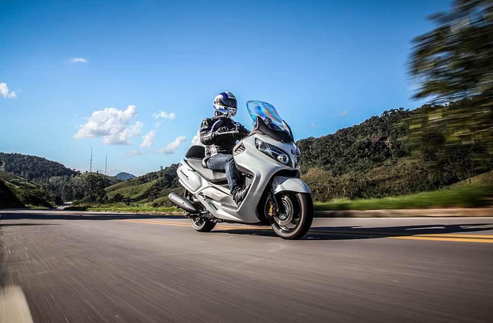 Dafra lança Maxsym 400i 2018 por R$ 25 290,00 | Motonline