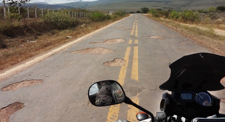 asfalto-ruim-de-moto-1