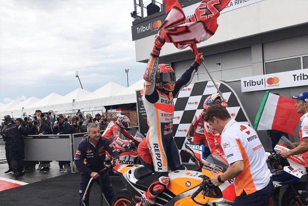 Mais uma vez, Márquez escolhe a estratégia certa e celebra uma vitória. Espanhol volta à liderança da MotoGP, com os mesmos 199 pontos de Dovizioso