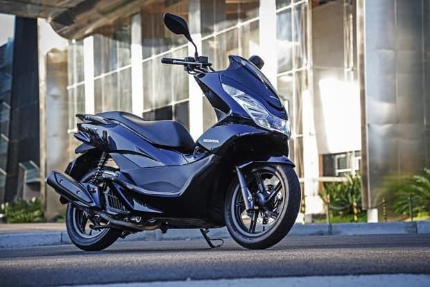 Única novidade no scooter PCX 150 versão 2018 é a paleta de cores. Maior atrativo está no preço, mantido o mesmo da edição anterior