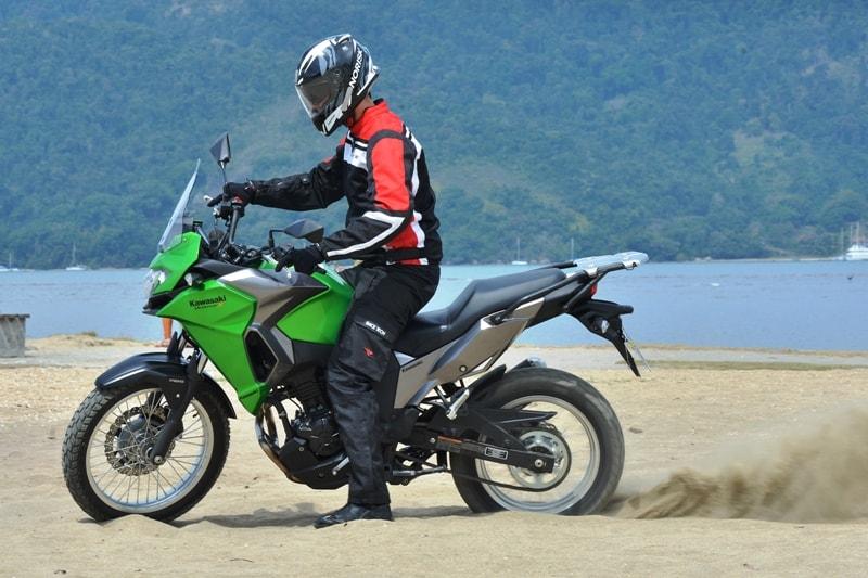 Os 40 cavalos do motor são suficientes para empurrar a moto em qualquer condição - Foto de Marcos M. Carmona