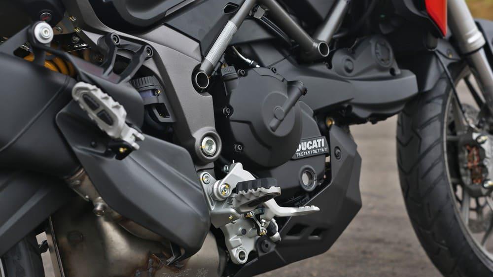 Motor despeja torque de 9,8 kgf.m a 7.750 rpm. Foto: Mário Villaescusa