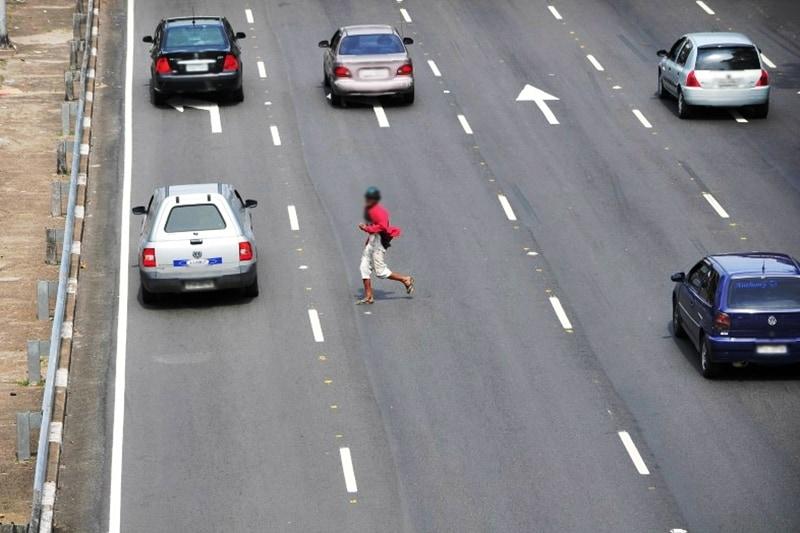 A nova regulamentação quer diminuir os acidentes; mas como multar este cidadão se ele se recusar a fornecer seus dados?