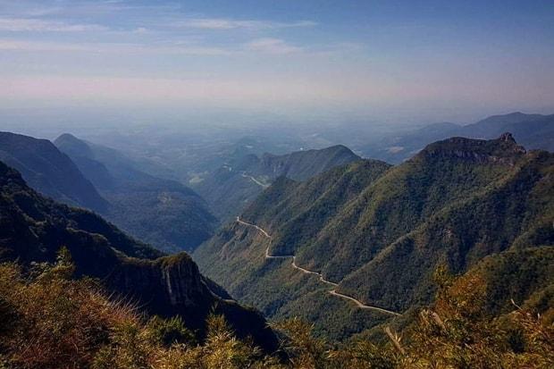 Conhecer o Brasil de moto e não passar pela Serra do Rio do Rastro (SC)? Impossível