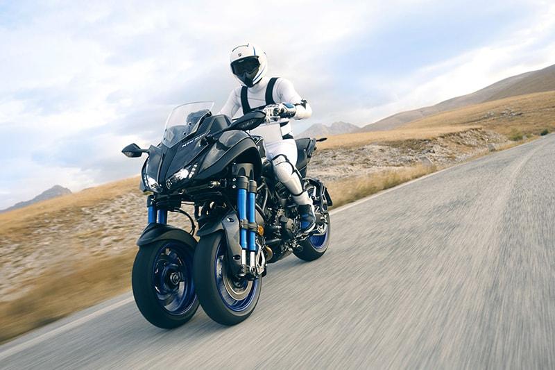 Este é o Niken. O conceito Yamaha inova ao apresentar uma moto de três rodas com o desempenho de uma naked esportiva
