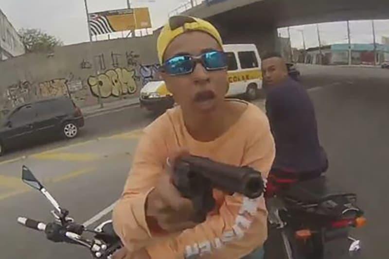 Esta cena de roubo de moto ainda é muito comum no estado de São Paulo, principalmente na capital
