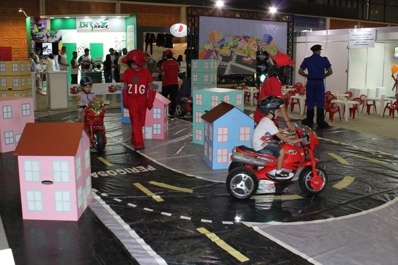 Atrações para crianças de todas as idades, desde que gostem de moto