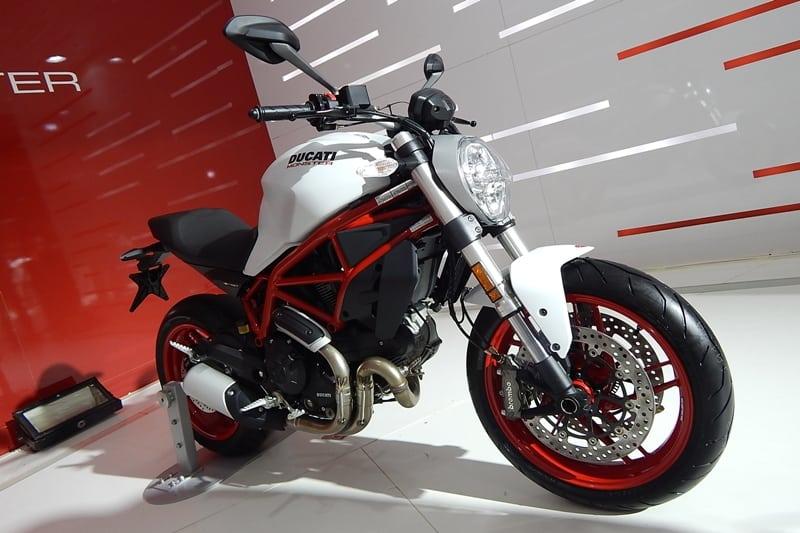 Monster 797 foi anunciada globalmente há alguns meses e agora chegará ao Brasil. Com mesmo motor da Scrambler, moto terá preço sugerido de R$ 39.900,00