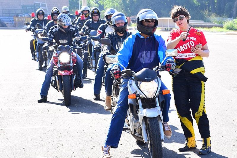 Desde 2003, Suzane mantém um centro de treinamento onde é diretora técnica e instrutora para carros e motos