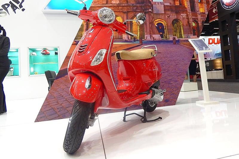 Mais barato que a Primavera, mas com preço ainda acima dos concorrentes, Vespa Classic foi lançado com a missão de levantar marca italiana no Brasil