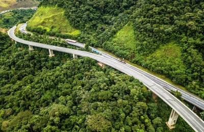 Um dos 7 viadutos entregues ao tráfego na rodovia Régis Bittencourt na Serra do Cafezal (Foto: Rafael Neddermeyer/JV Foto)