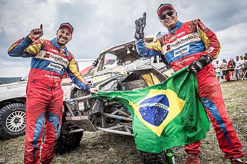 Reinaldo Varela e Gustavo Gugelmin mantém o domínio brasileiro nos UTVs