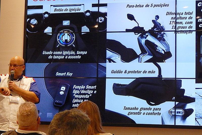 Equipe técnica da Honda apresentou o modelo em detalhes durante o Salão Duas Rodas 2017