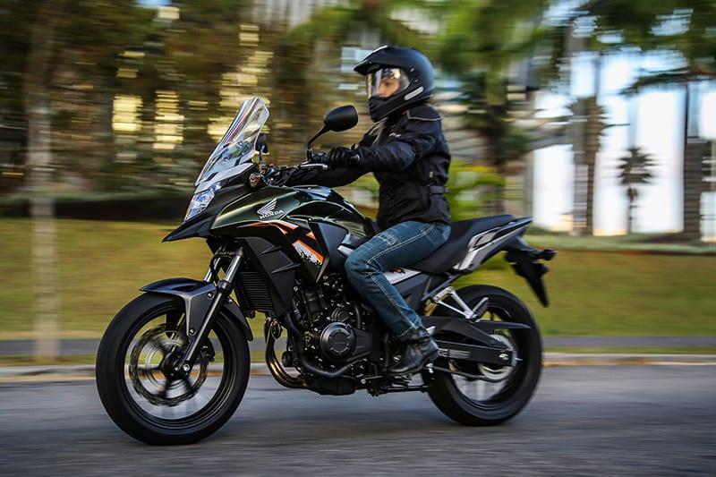 Honda CB 500X passa a ser oferecida com entrada de 50% + 36 parcelas de R$ 499,00. Condição inédita de compra é válida por três meses