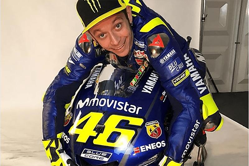 Rossi é só amor com a Yamaha após garantir mais 2 anos defendendo a equipe. Muito se fala em um time do italiano na categoria principal depois disso, mas nada está definido ainda