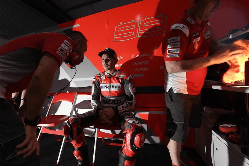 Lorenzo tem uma carreira brilhante, mas um período de sombras em sua última temporada. Depois do desempenho fraco de 2017, espanhol disse que ainda não se adaptou totalmente às características da Ducati